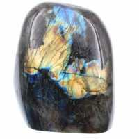 Labradorita com reflexos amarelos, pedra decorativa