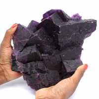 Cristalização excepcional de fluorita roxa escura