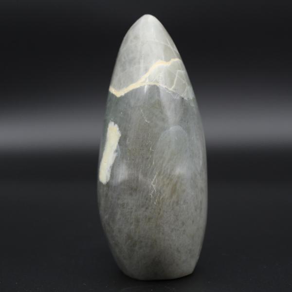 Pedra de garnierita polida