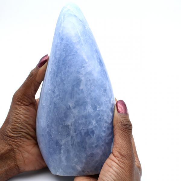 Rocha de calcita azul