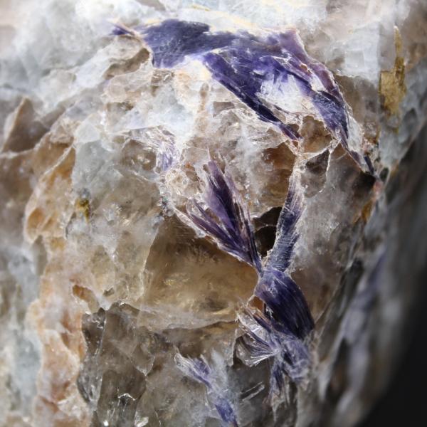 Forma livre de lepidolita