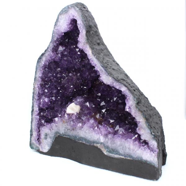 Geodo de ametista com cristal de calcita
